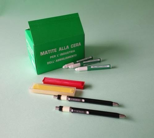 matite-in-cera-portamine-in-metallo-mine-in-cera